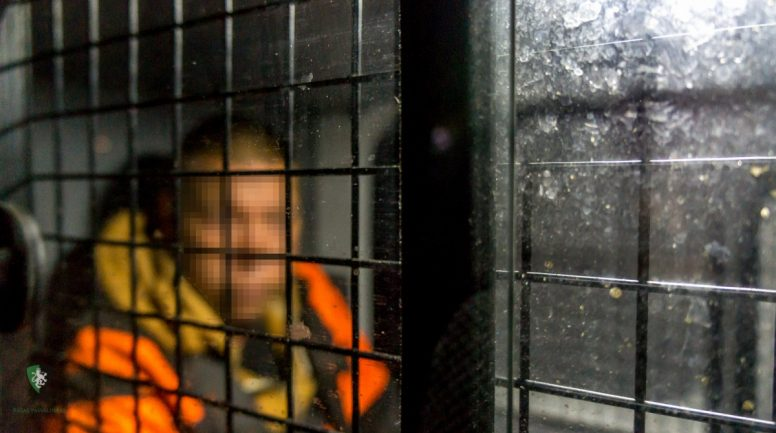 Par huligāniskām darbībām kādā vecpilsētas ātrās ēdināšanas iestādē aizturēts vīrietis
