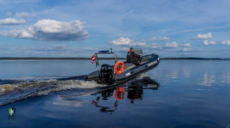 No Mazās Daugavas izcelts 70 metrus garš nelegāls zvejas tīkls