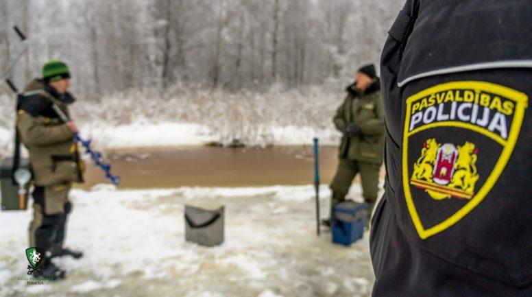 Rīgā vairs nedrīkst atrasties uz ledus