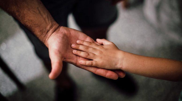 Ziepniekkalnā no kādas iereibušas mātes šķirti četri bērni