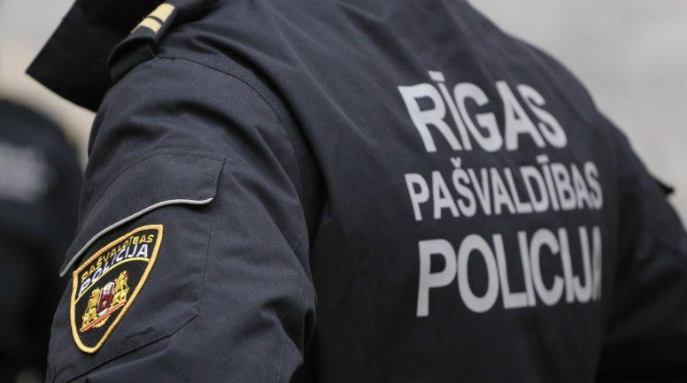 Daugavgrīvā nepilngadīga meita ziņo par tēva vardarbību