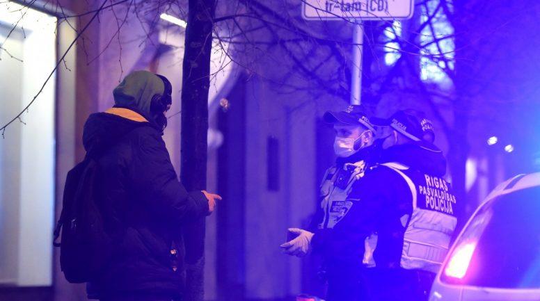 Aizvadītajā naktī Rīgas pašvaldības policija uzsākusi 15 administratīvo pārkāpumu procesus